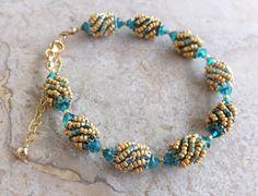 Bracciale in tessitura con Swarovski Blue di SognantiStelleBijoux
