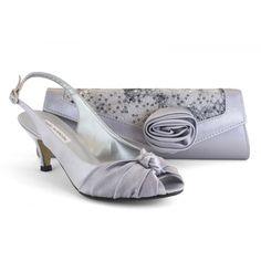 35770-554 raso gris plata con bolso a juego - zapato de vestir de la marca Ángel Alarcón