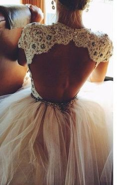 Os 10 vestidos de noiva mais pinados de Portugal - Portal iCasei Casamentos