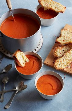 Roasted Tomato Basil Soup with Cheesy Garlic Bread from www.whatsgabycooking.com (@whatsgabycookin)