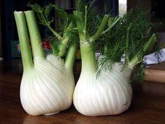 Fresh herbs and vegetables should always be at hand. Vegan Detox, Detox Plan, Organic Herbs, Edible Plants, 200 Calories, Detox Recipes, Detox Foods, Plantar, Wellness