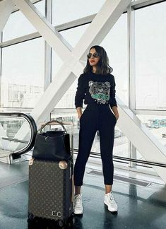 Casual Travel Outfit, Airport Travel Outfits, Travelling Outfits, Airport Clothes, Summer Airport Outfit, Cute Travel Outfits, Travel Outfit Summer, Airport Fashion, Travel Clothes Women