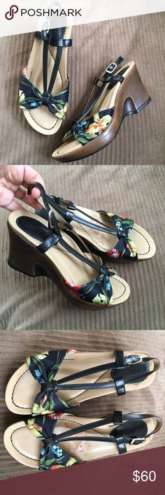 Moving sale ⚜ Dansko sandals Super cute floral platform sandals, incredibly comfortable and great for this summer. Leather & fabric, made in Brazil. Excellent condition, worn once. No wear at all - sticker needs to be removed fully. Dansko Shoes Sandals