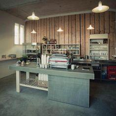 Proč navštívit kavárnu I Need Coffee? Protože zde naleznete originální interiér, vřelou obsluhu a zároveň perfektní místo, kam zajít nejen na kávu, ale i na kávu s sebou. Více na https://www.storyous.com/cz/mista/podnik/praha-i-need-coffee/
