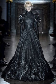 ZsaZsaBellagio.com #raven queen  http://zsazsabellagio.tumblr.com/post/58441872291/zsazsabellagio-com  https://www.facebook.com/DarkFantasyIsTheBestFantasy