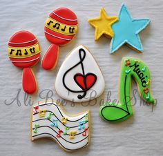 images of ali bee's bake shop cookies Iced Cookies, Cute Cookies, Cupcake Cookies, Sugar Cookies, Xmas Cookies, Cupcakes, Music Cookies, Piano Cakes, Biscuits