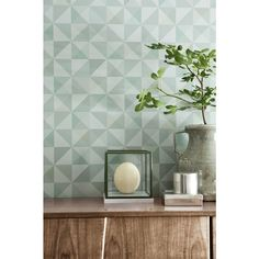 Tiny triangles form into a spectacular geometric on this olive green wallpaper that adds contemporary beauty to walls. Retro Wallpaper, Geometric Wallpaper, Wallpaper Samples, Pattern Wallpaper, Bauhaus, Feng Shui, Olive Green Wallpaper, Scandinavian Design, Modern Decor