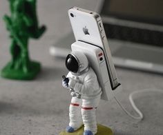 Astronaut Smartphone Stand by Awesome Inventions