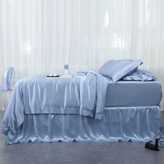 Silk sheets it is nice to pamper oneself just a little. One way to do that is give yourself a good night's sleep on silk sheets. Silk Bed Sheets, Silk Bedding, Flat Sheets, Luxury Bedding Sets, Beautiful Bedrooms, New Room, Duvet Cover Sets, Sheet Sets, Bed Linen