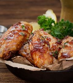 """<a href=""""http://go.redirectingat.com?id=74679X1524629&sref=https%3A%2F%2Fwww.buzzfeed.com%2Fvaszeit%2F27-reasons-you-should-forget-about-restaurant-chic-26q0l&url=http%3A%2F%2Fwww.thechunkychef.com%2Fjack-daniels-glazed-baked-chicken-wings%2F&xcust=https%3A%2F%2Fwww.buzzfeed.com%2Fvaszeit%2F27-reasons-you-should-forget-about-restaurant-chic-26q0l%7CBFLITE&xs=1"""" target=""""_blank"""">Jack Daniel's Glazed Chicken Wings</a>"""