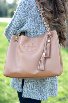 love this tory burch bag!