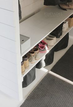 DIY Kenkähylly Shoe Rack, Interior Design, Design Ideas, Home, Nest Design, Home Interior Design, Shoe Racks, Interior Designing, Ad Home