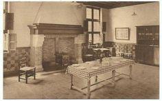 Castle, Dining Table, Van, History, Furniture, Home Decor, Historia, Decoration Home, Room Decor