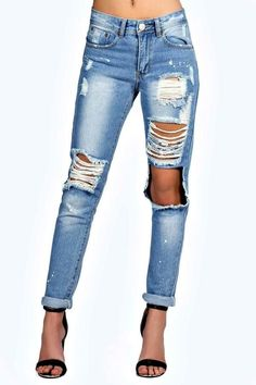 boohoo Sara Relaxed Fit Open Knee Boyfriend Jeans