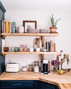 """5,736 Likes, 24 Comments - Apartment Therapy (@apartmenttherapy) on Instagram: """"Double tap if a #shelfie gets you more excited than a #selfie. (Image: @jessannkirby)"""""""