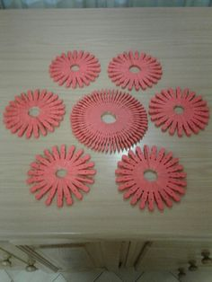 Place mats for the table from washing pegs.