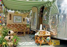 Very inviting! camping glamping airstream trailer - Home Decoration Airstream Vintage, Vintage Caravans, Vintage Travel Trailers, Vintage Campers, Retro Campers, Rv Campers, Happy Campers, Vintage Motorhome, Retro Trailers