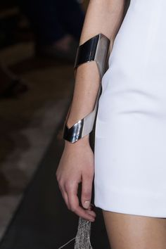 Chrome bangle with cut out detail – statement jewellery; futuristic fashion // L… Chromen armband met uitgesneden detail – statement sieraden; Body Jewelry, Jewelry Art, Jewelry Design, Gold Jewellery, Silver Jewelry, Space Fashion, Fashion Design, Fashion Accessories, Fashion Jewelry
