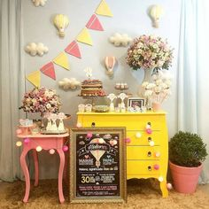 Cotton Candy Monterrey's Birthday / Minnie Mouse Pink and Gold - Photo Gallery at Catch My Party Birthday Party Tables, Birthday Decorations, First Birthday Winter, Dessert Table Decor, Baby Shower, Girl Shower, Happy Party, Mexican Party, Girl Birthday
