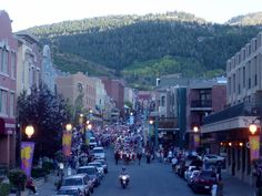 Park City, Utah I've been here twice. Once in 2001 and again in 2010 for The Sundance Film Festival. Places To Travel, Places To See, Wonderful Places, Beautiful Places, Heber City, Park City Utah, Colorado Mountains, Travel Memories, Small Towns