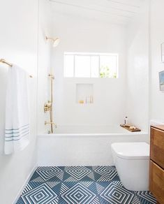 Guest bath (Emily Henderson)