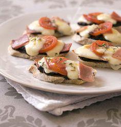 Tartines façon Bruschetta à la mozzarella - les meilleures recettes de cuisine d'Ôdélices