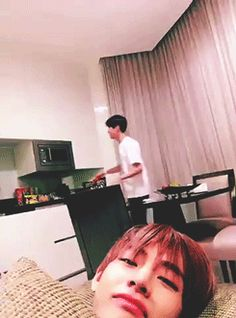 Hobi copying the microwave noise XD