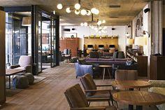 The Hoxton, London - Hall - Il luogo ideale per sorseggiare thè..accarezzando un duca! (Ah, la tauromachia!) cit.