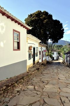 As minhas Minas Gerais   Tiradentes States Of Brazil, Largest Countries, Travel And Leisure, Urban Design, Cool Places To Visit, South America, Colonial, Life Is Good, Explore