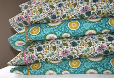 pretty quick pillowcase tutorial (& bonus french seam instructions)