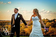 Autumn weddings can look spectacular, if you choose the right location, like this image taken at Highfields Country Club, Grafton, MA....and of course if you choose the right photographer. ;-)
