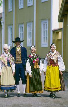 Finland, Mörskom, Nyland  Folkdräkter - Dräktbyrå - Brage
