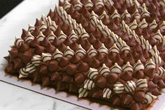 Grocery store sheet cakes can be a delicious and convenient way to feed a crowd—but they're also usually pretty bland looking. Happily, all it takes is a little imagination to transform an ordinary cake into an eye-catching, edible masterpiece. Costco Chocolate Cake, Chocolate Desserts, Costco Party Food, Costco Birthday Cakes, Sheet Cakes, Cake Recipes, Dessert Recipes, Deserts, Kitchens