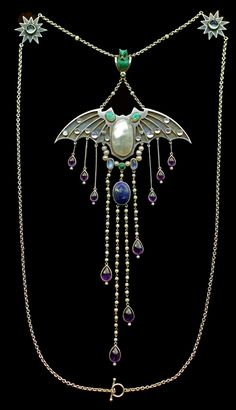 Georg Kleemann - Jugendstil bat pendant necklace. Made of Silver, gold, opal, enamel, moonstone, pearl, amethyst, lapis, turquoise, ruby & diamond. Circa 1900.