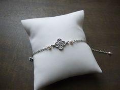 Bracelet mariage trèfle a quatre feuilles argenté avec perles swarovsky : Bracelet par les-bijoux-d-aki