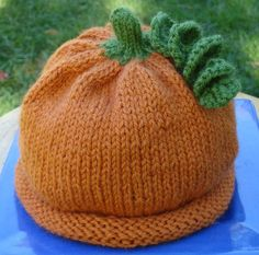 Whip up Halloween beanies for your little cuties with this pumpkin hat knitting pattern!