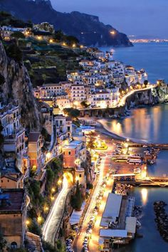 Italy Travel Inspiration - Amalfi at Night - Sorrento - Italy Sorrento Italia, Sorrento Amalfi, Ravello Italy, Places Around The World, The Places Youll Go, Places To See, Dream Vacations, Vacation Spots, Vacation Travel