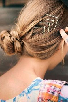 10 Visible Bobby Pin Hairstyles To Try This Summer