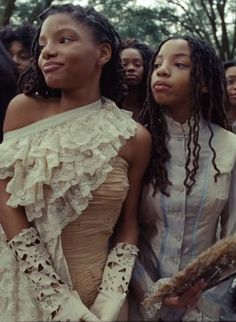 Pin for Later: 5 Things to Know About Beyoncé Protégés Halle and Chloe Bailey Black Girl Magic, Black Girls, Black Women, Shakira, Black Is Beautiful, Beautiful People, Beautiful Pictures, Beyonce, Chloe Halle