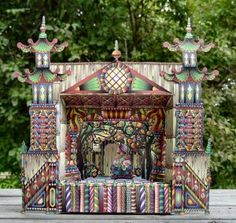 Lots of downloadable to make Teddy's Theatre...complete.http://papermatrix.wordpress.com/theatre/