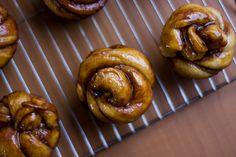 cinnamon rolls, roses, dough, homemade, diy, jessica's dinner party, yeast, recipe