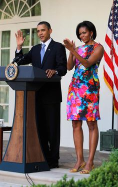 President Obama and first lady Michelle Obama appear at a Cinco de Mayo event in Washington Michelle Et Barack Obama, Barrack And Michelle, Barack Obama Family, Michelle Obama Fashion, Jackie Kennedy, Joe Biden, Durham, Black Is Beautiful, Beautiful People