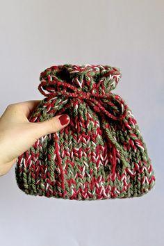 Een kerstzakje zelf maken en vullen met een zakje 50g losse thee, leuk voor in de kerstboom én als cadeautje voor de gasten...
