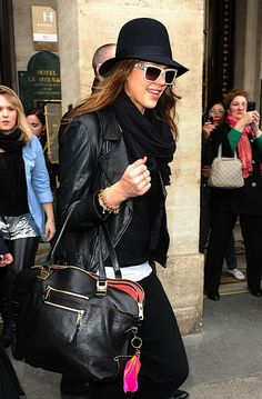 jessica-alba-bags - oomphelicious.wordpress.com4 -- BEDAZZLED BY BAGS – JESSICA ALBA