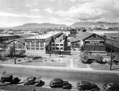 Exterior of Vancouver Iron Works Limited - 1155 W. Avenue possible W J Moore photo New West, Iconic Photos, Most Beautiful Cities, Vancouver Island, Back In The Day, Old Pictures, British Columbia, West Coast, Paris Skyline