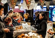 29-Dec-2014 7:04 - DRANGHEKKEN NODIG IN IJSSELSTEIN VOOR BESTE OLIEBOL. De dranghekken stonden klaar bij bakker Brokking in IJsselstein. En al het personeel dat er ooit heeft gewerkt, was opgetrommeld. Want het is…...