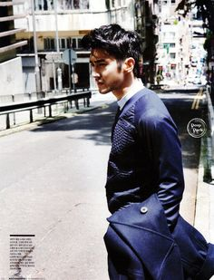 10 Photos of Siwon Choi Looking Manlier Than Ever Super Junior's Choi Siwon is always looking handsome whether it's with Super Junior or on his own. We put together a list of some of his most handsome. Choi Siwon, Rugged Style, How To Look Handsome, Classy Men, Super Junior, Korean Actors, Photography Poses, Kdrama, Fangirl
