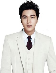 Lee Min Ho looks amazing in a white suit! He is so handsome😘😘😘😘 So Ji Sub, Boys Over Flowers, Korean Men, Asian Men, Lee Min Ho, Asian Actors, Korean Actors, Hot Actors, Actors & Actresses