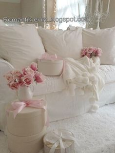 ♥ | Shabby Chic ~ Victorian - http://myshabbychicdecor.com/shabby-chic-victorian/ - #shabby_chic #home_decor #design #ideas #wedding #living_room #bedroom #bathroom #kithcen #shabby_chic_furniture #interior interior_design #vintage #rustic_decor #white #pastel #pink