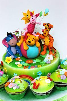 viorica's cakes: Winnie si prietenii lui la joaca